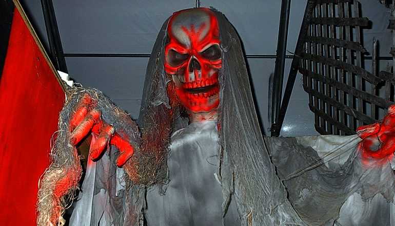 Field of Screams New England Haunted Attraction