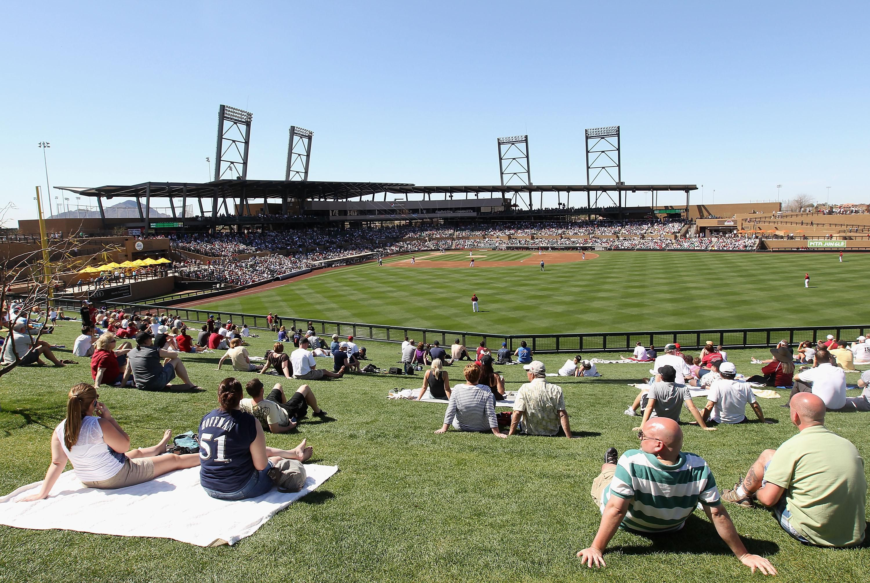what teams do spring training in arizona