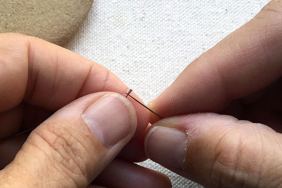 Thread a Beading Needle