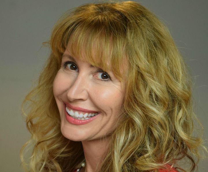 La escritora Lorraine C. Ladish
