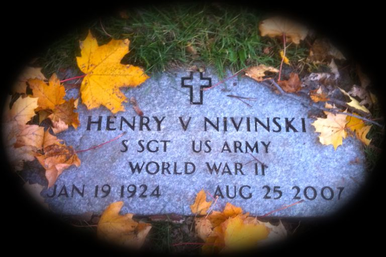 Gravestone of Henry V. Nivinski in Saint Mary and Saint James Cemetery in Rockford, Illinois.