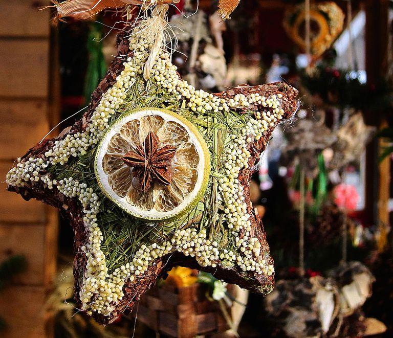 Christmas Tree History Pagan: What To Put On A Pagan Holiday Tree