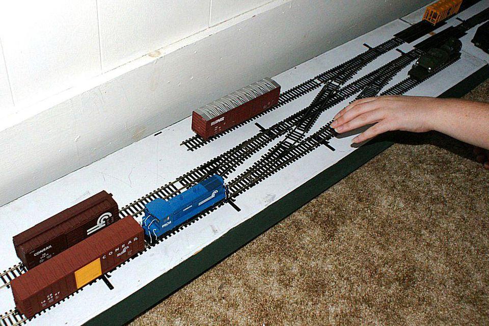 Small  Room Ho Model Railroad Shelf Switching