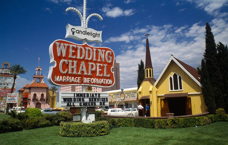 Get Married In Las Vegas At One Of The Citys Wedding Chapels