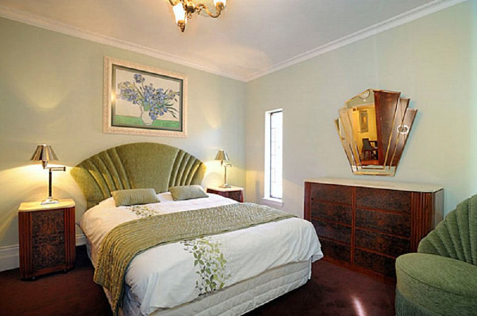 Mid-Century Modern Bedroom Furniture