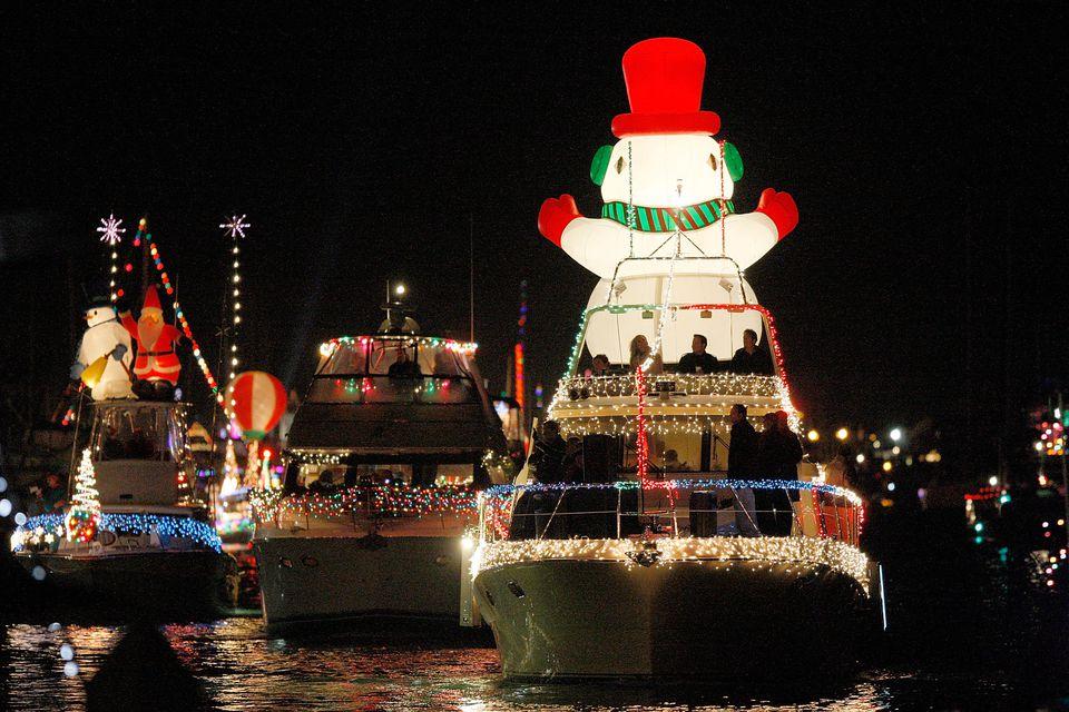 Newport Beach Christmas Boat Parade: Viewer Guide