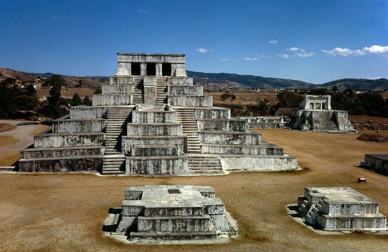 Zaculeu was capital of the Postclassic Mam kingdom in the Guatemalan Highlands.[76]