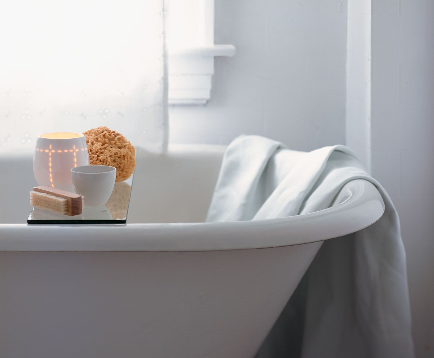 Feng shui tips bathroom in the center of your home for Feng shui bathroom design