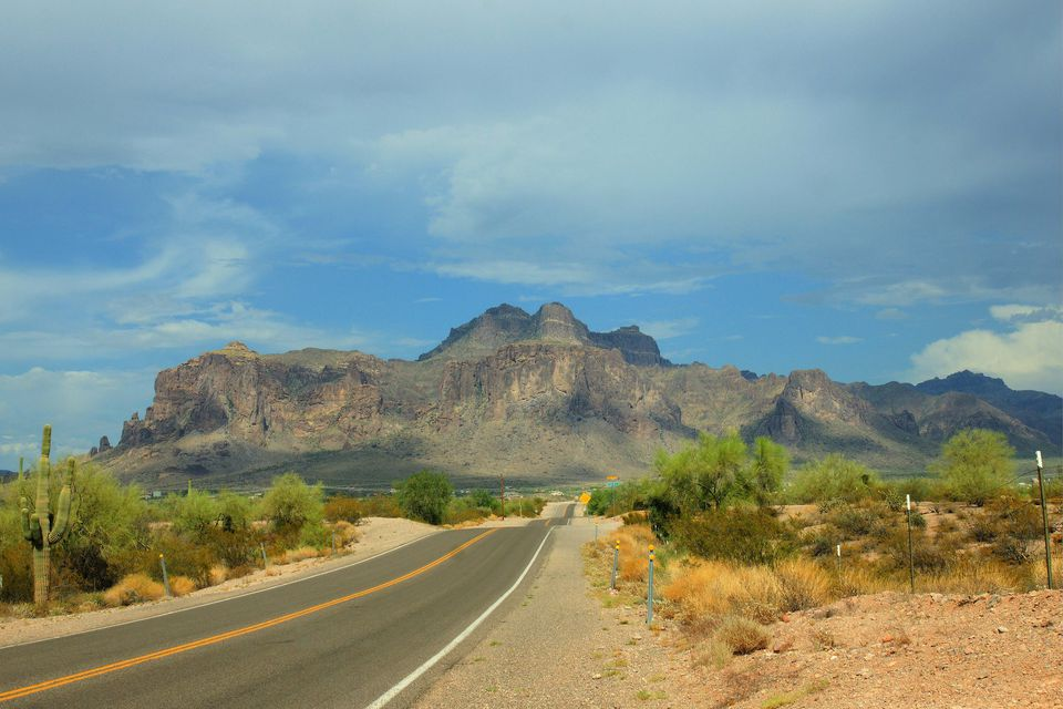 Road leading to Superstition Springs Mountain in Arizona.