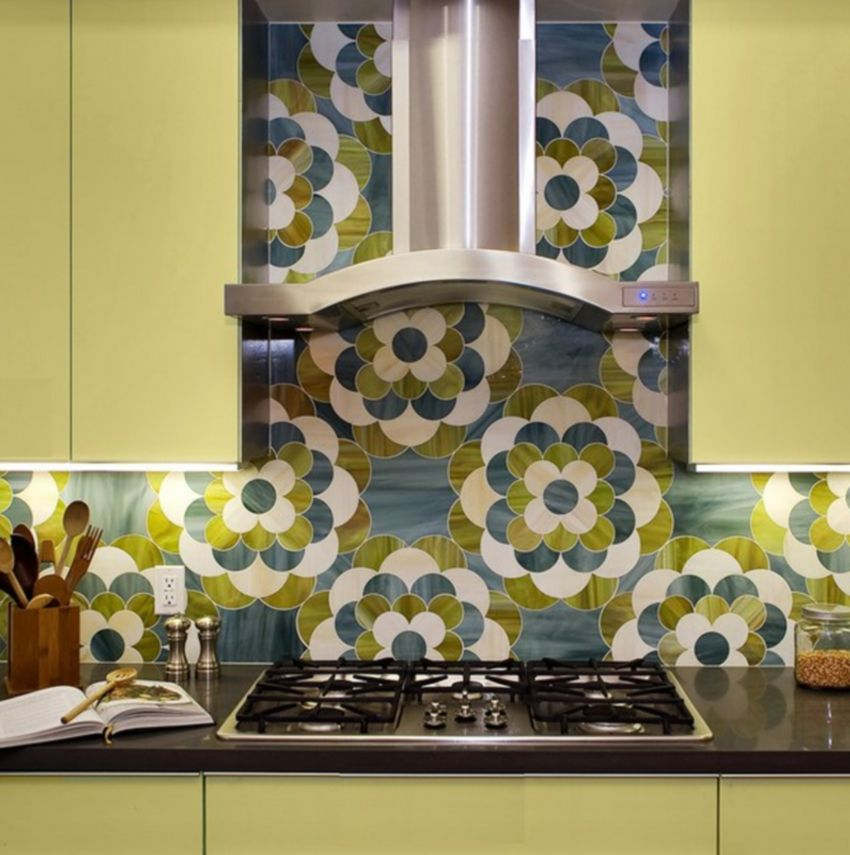 30 amazing design ideas for a kitchen backsplash for Blue and green kitchen