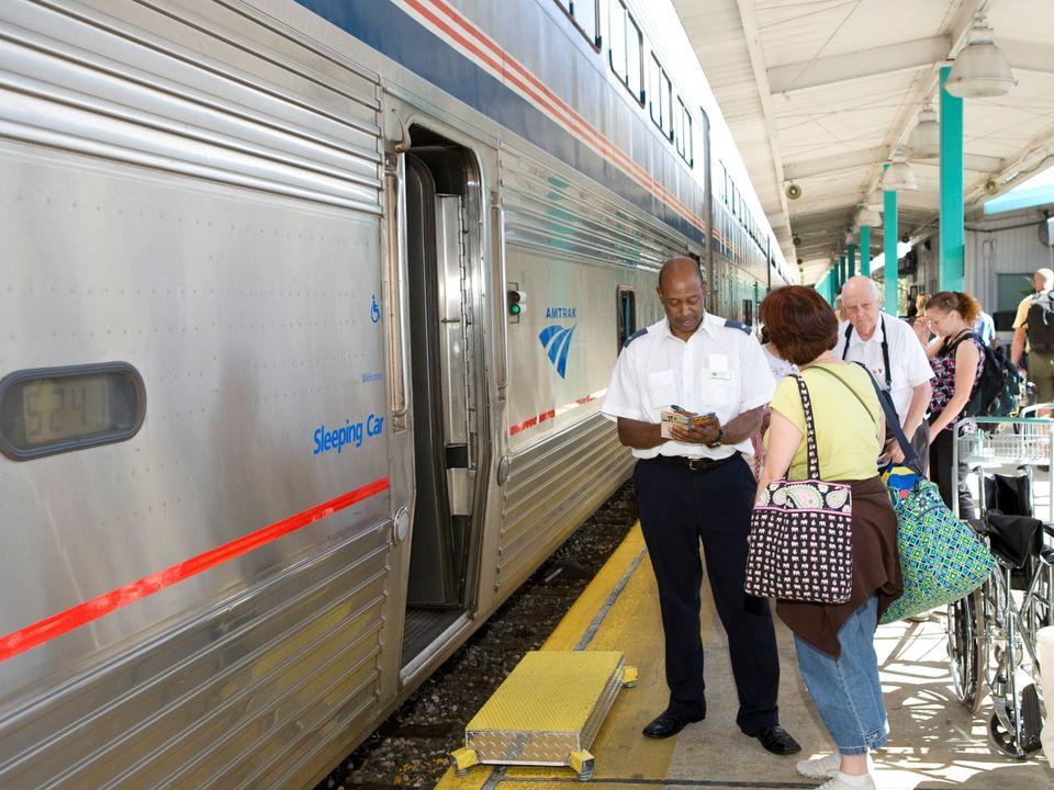 Photo of passengers boarding the Amtrak Auto Train
