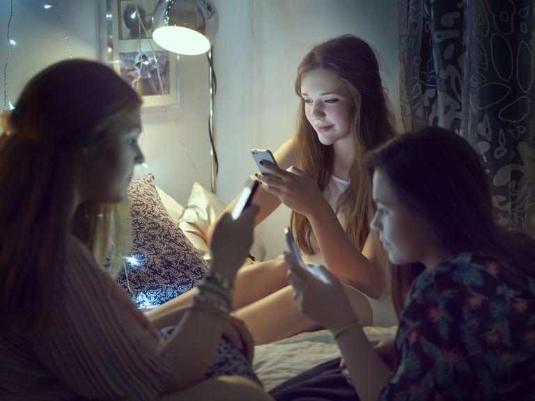 Aplicaciones que no deben tener tus hijos en su celular