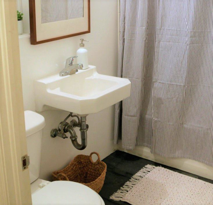 Before And After Bathroom Makeovers On A Budget: 11 Amazing Before & After Bathroom Remodels
