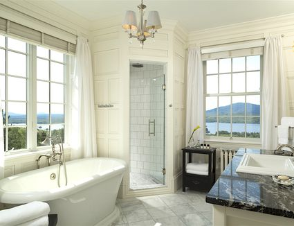 Do it yourself vs professional bathroom remodeling for Do it yourself bathroom remodel