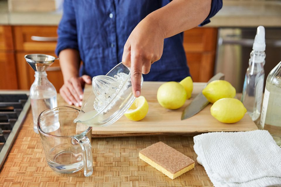 making cleaning supplies from vinegar and lemons