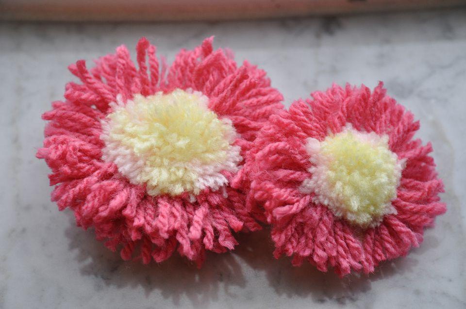 Yarn pom poms
