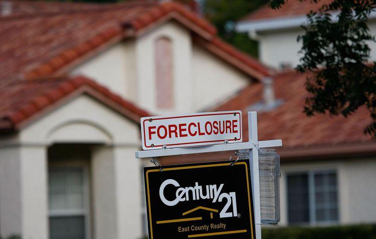 California Community Hit Hard By Foreclosure Epidemic