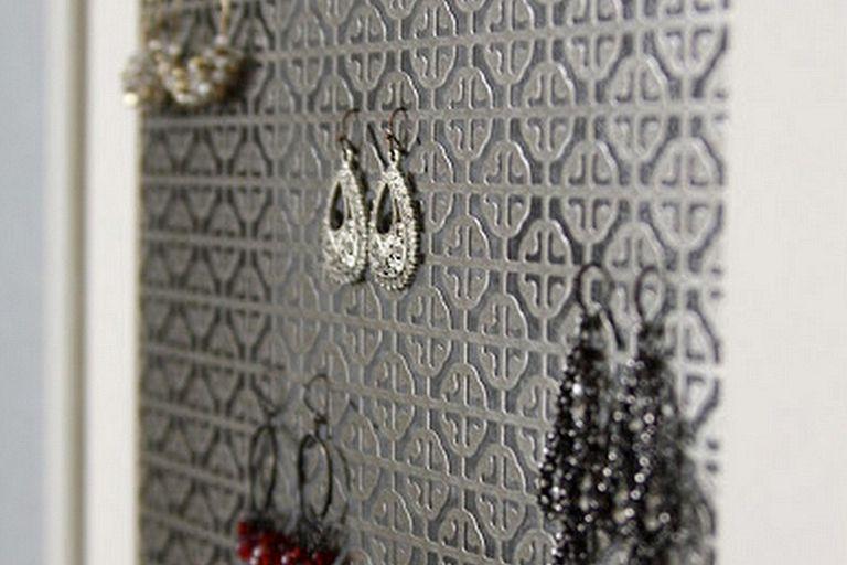 Smart ways to organize earrings