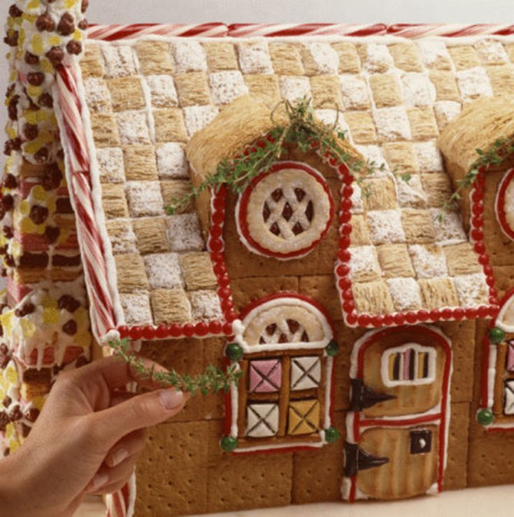 How to Make a Gingerbread House (Recipe)