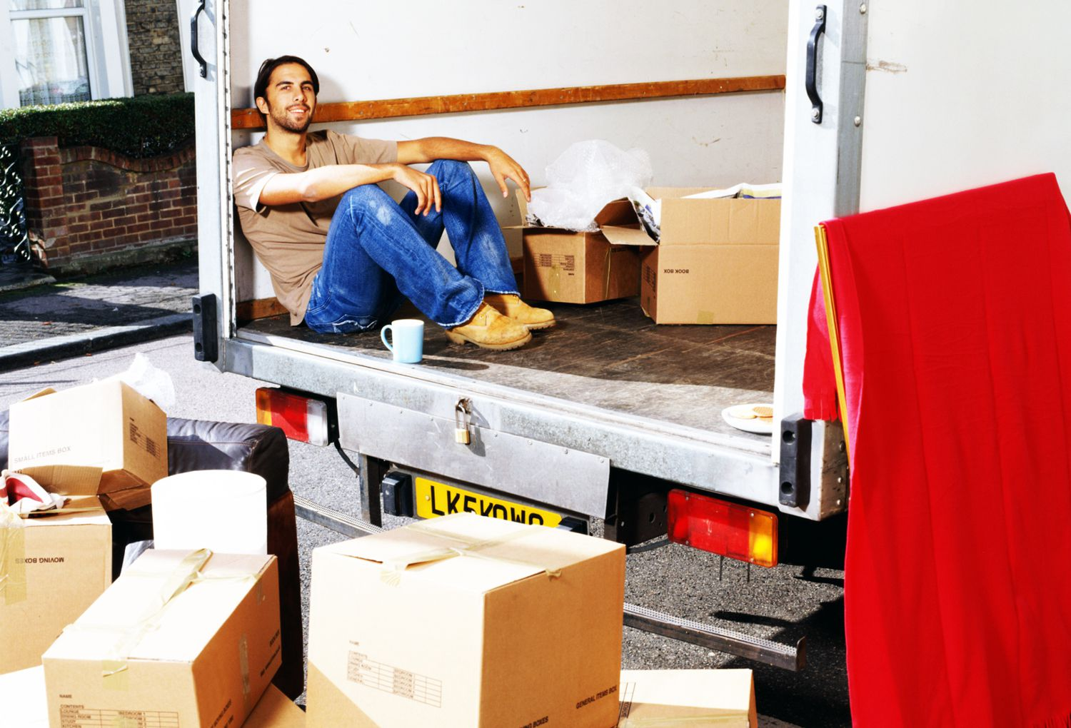 what is self service moving and when is it the best way to move house. Black Bedroom Furniture Sets. Home Design Ideas