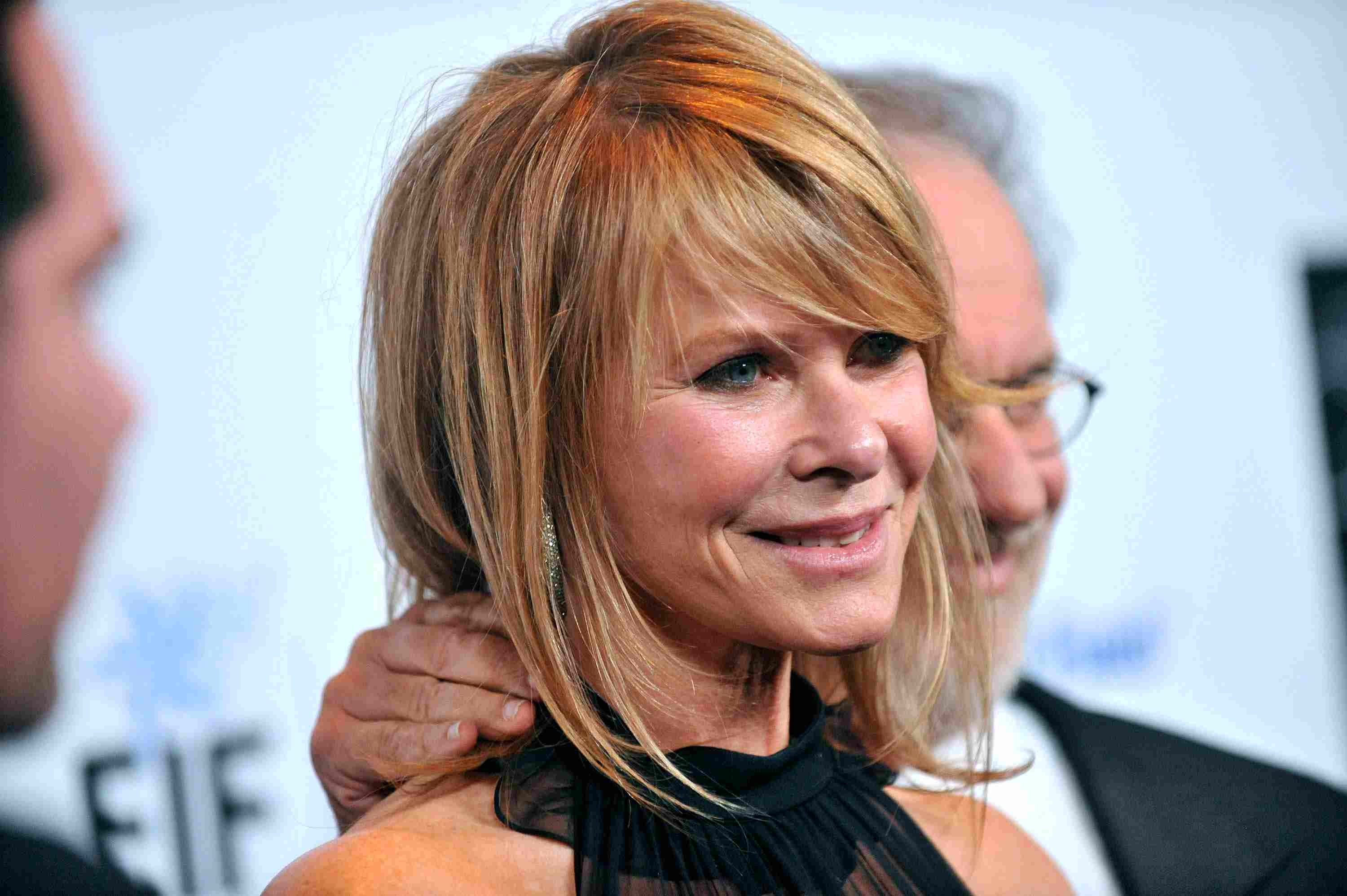20 Gorgeous Medium Length Haircuts For Women Over 50