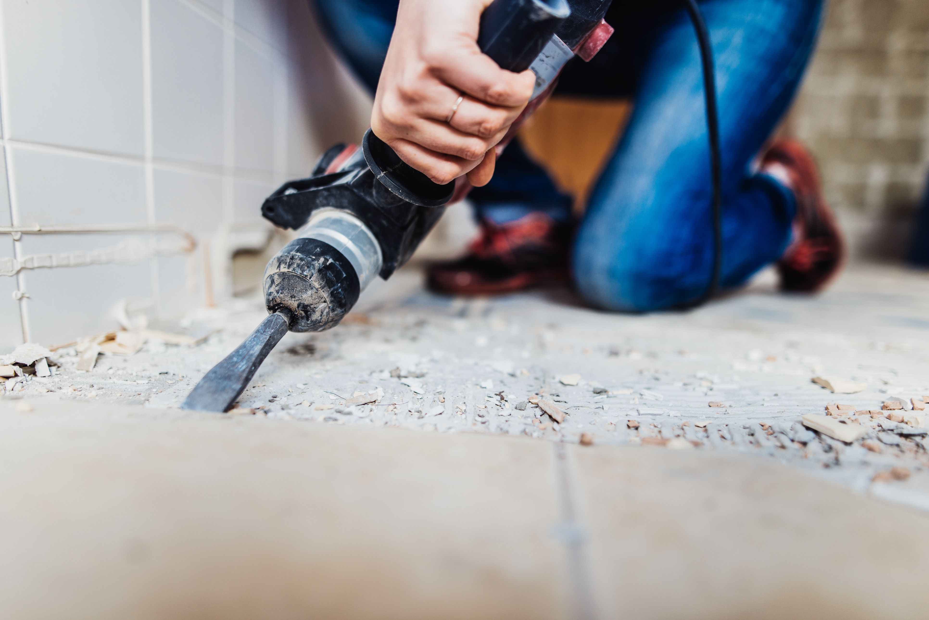 Asbestos vinyl tiles basics and guide to removal black asbestos mastic can this floor adhesive be safely removed dailygadgetfo Images
