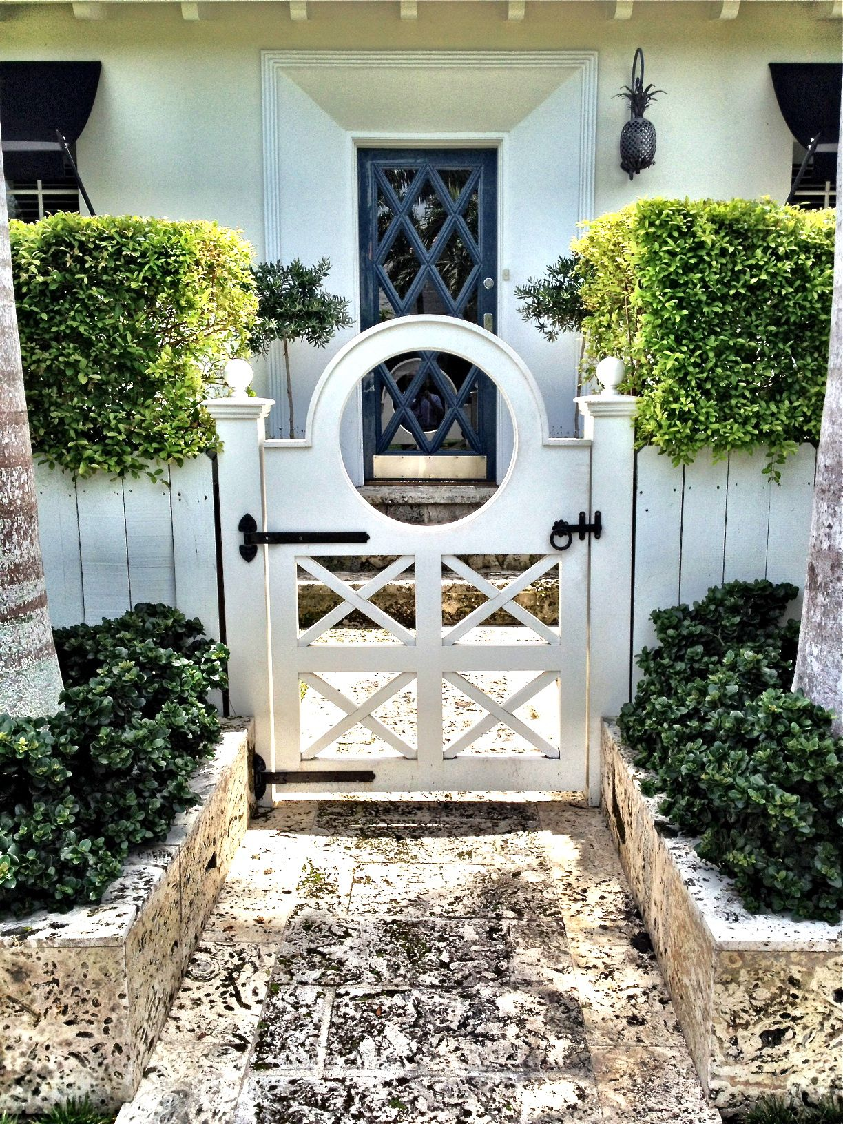 Mejora el frente de tu casa for Jardines para el frente de mi casa