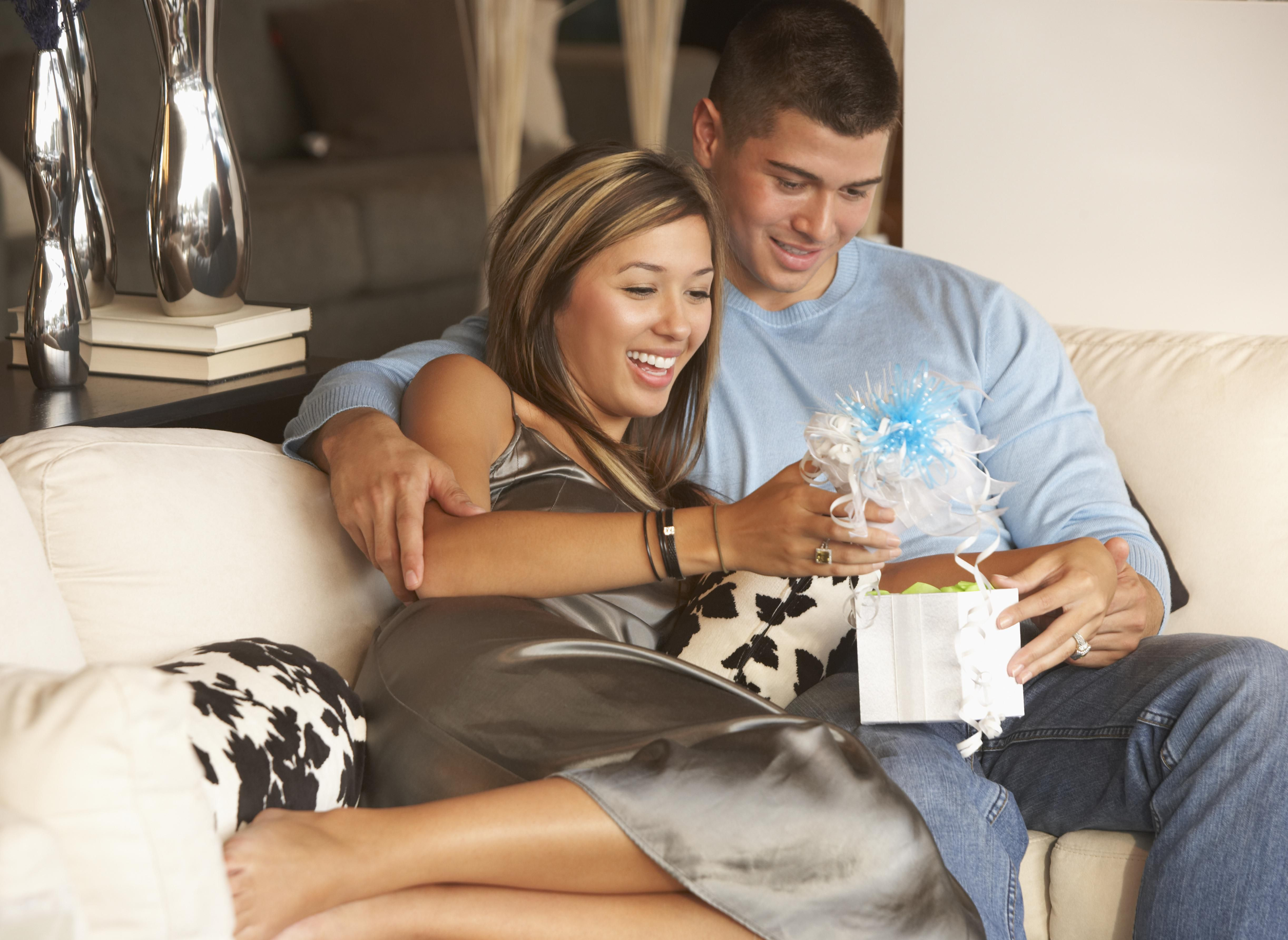 Your Go To List For 2nd Anniversary Gift Ideas Marriage