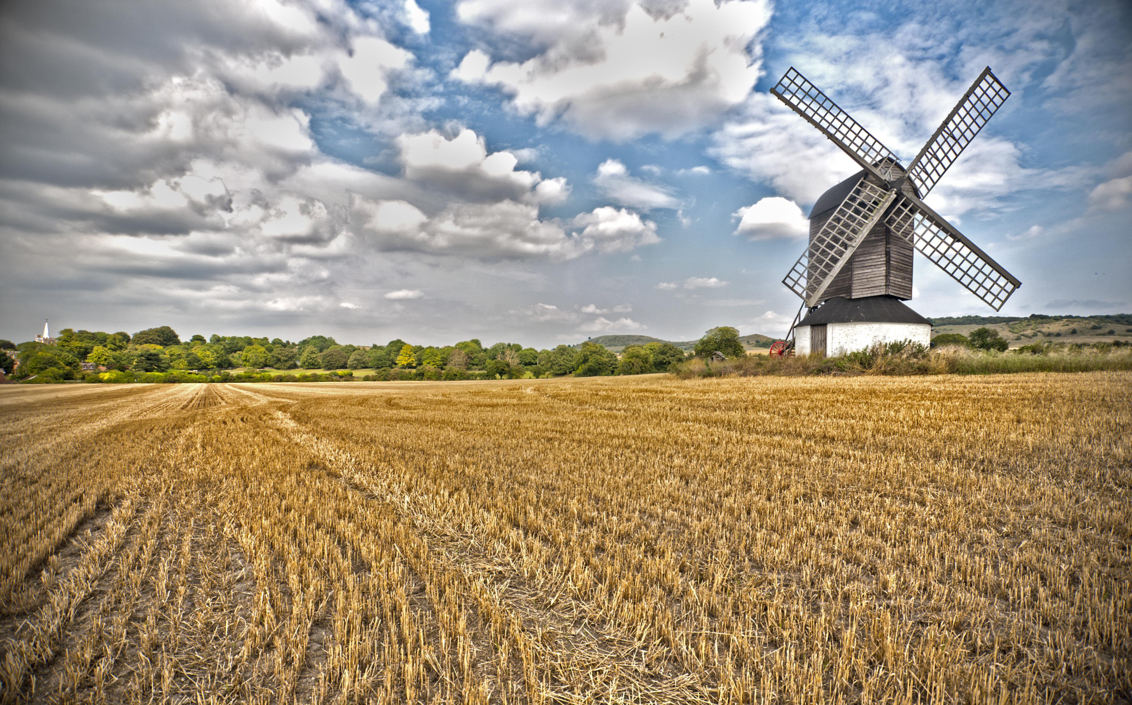 Usos y funciones del molino de viento for Piscina molino de viento y sombrilla