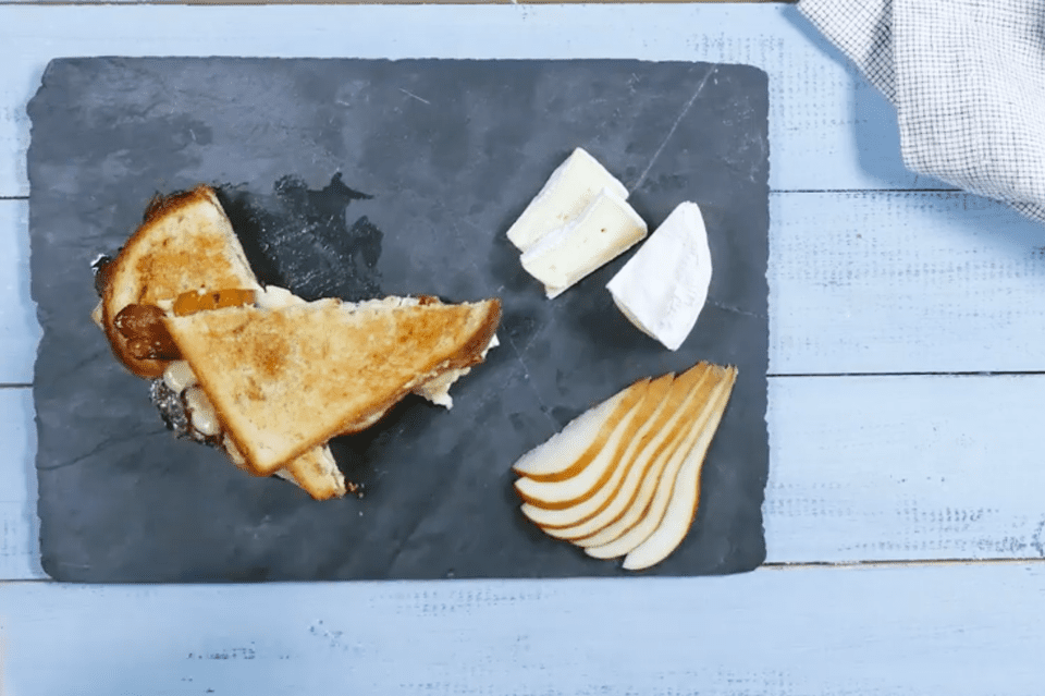 bacon, brie and pear grilled cheese sandwich recipe