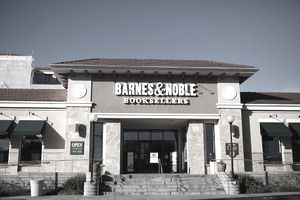 Barnes & Noble bookseller