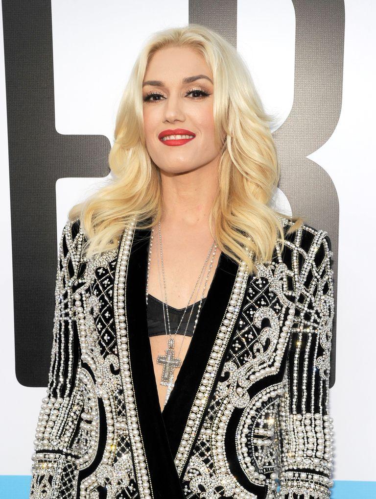 Photos of absolutely gorgeous platinum hair color gwen stefani long platinum blonde hair urmus Image collections
