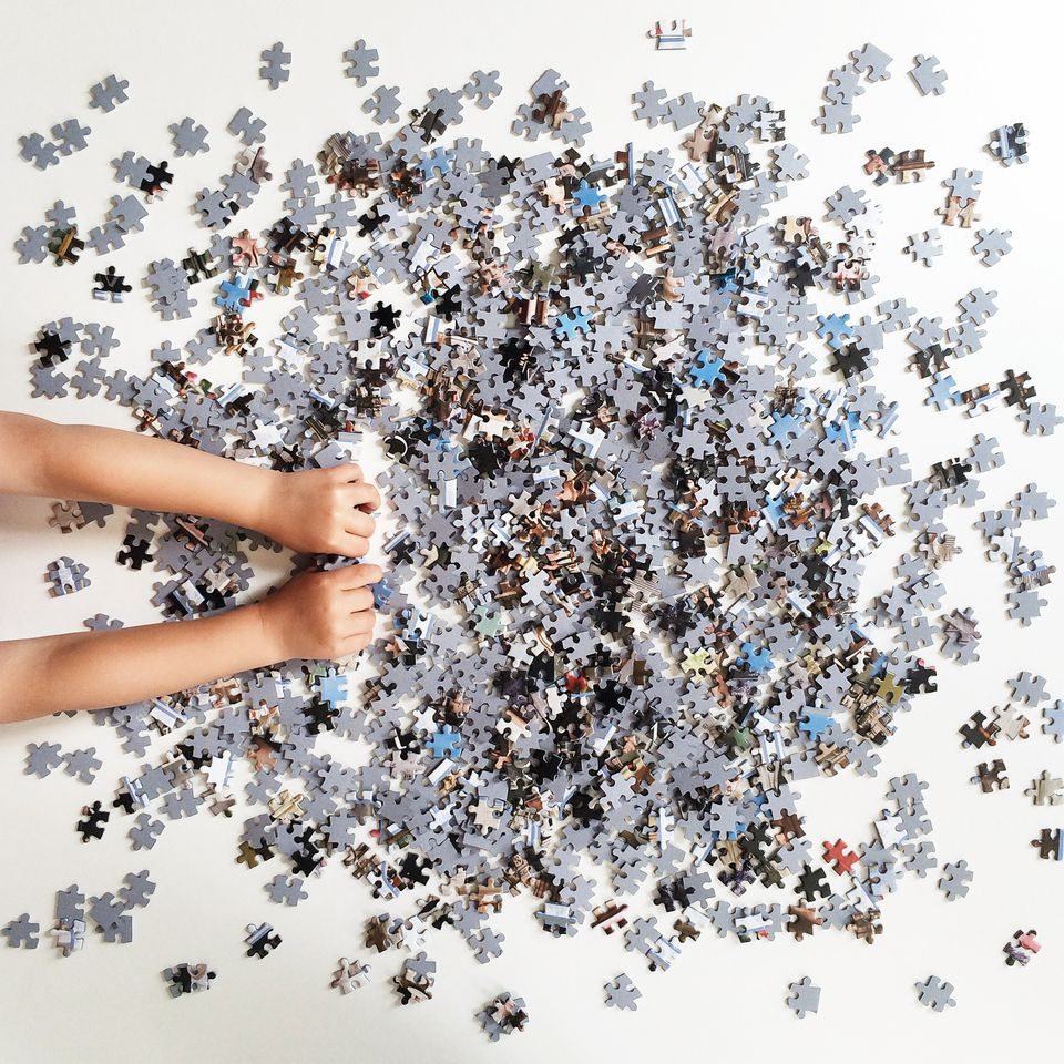 how to upcycle a jigsaw puzzle