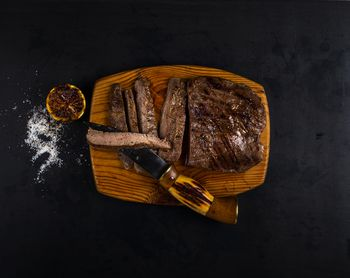 how to cook medium rare steak on the grill