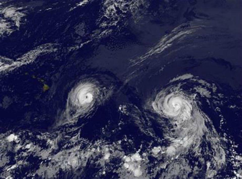 NOAA_Iselle_Julio.jpg