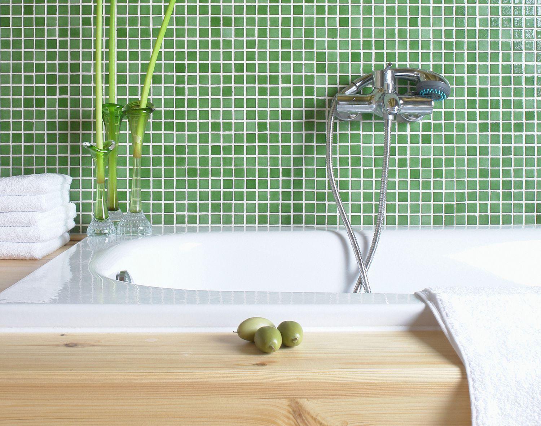 نتیجه تصویری برای green bathroom