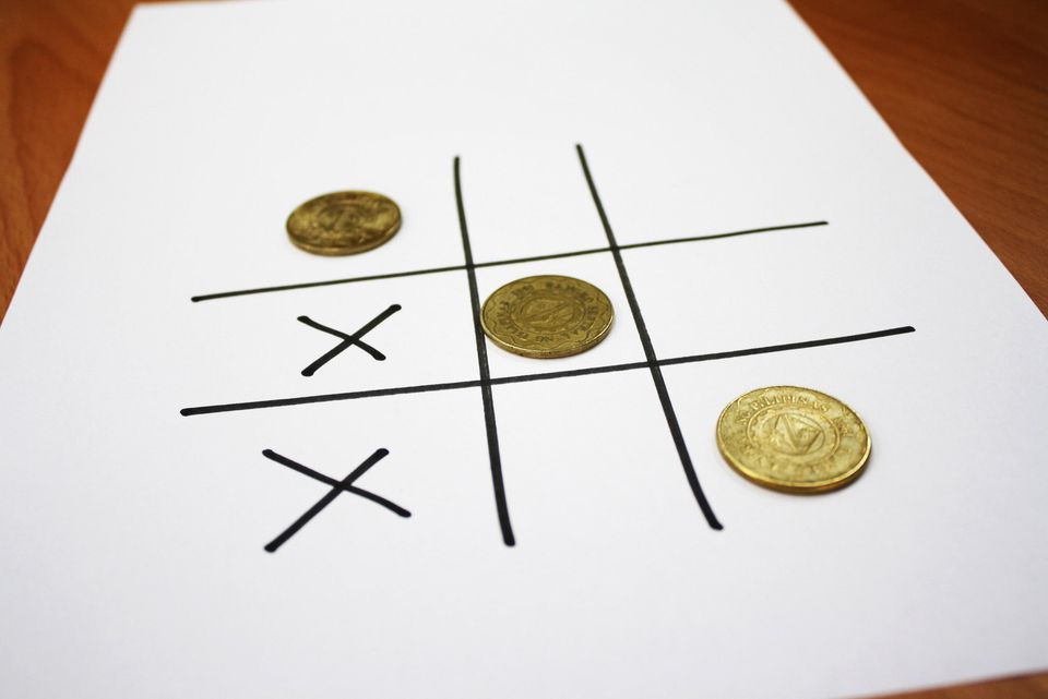 tic tac toe with coins