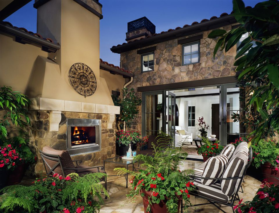 Outdoor fireplace mantel design ideas