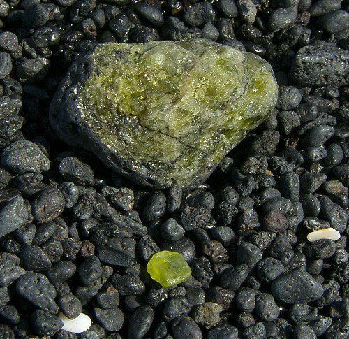 Polished Olivine Basalt Co : Which minerals contain silicate