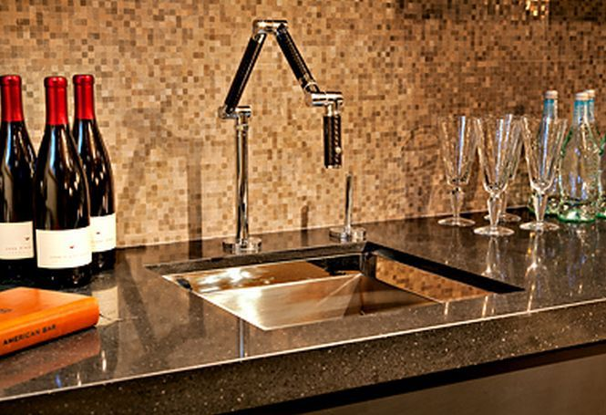 https://fthmb.tqn.com/J2SoVniFnCWAC1CvtFb3Sm_aYb8=/960x0/filters:no_upscale()/Mosaic-Tile-Ideas---Home-Bar-Backsplash-56a49e2c3df78cf772834acb.JPG