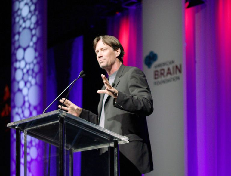 Kevin Sorbo speaking at the AAN and American Brain Foundation Awards