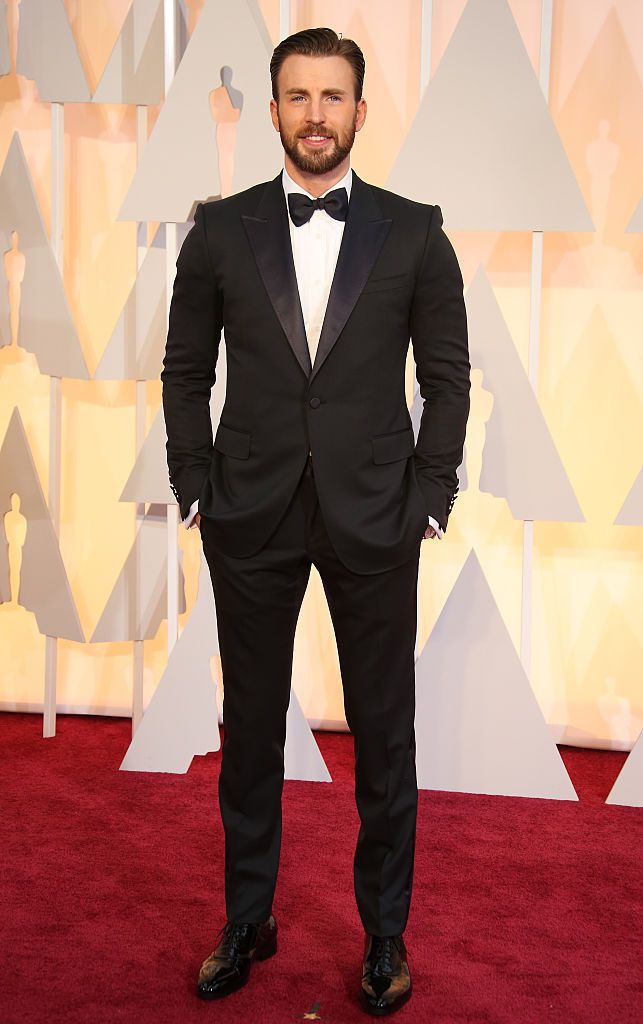 Chris Evans arrives at the 87th Annual Academy Awards at Hollywood & Highland Center on February 22, 2015 in Los Angeles, California.