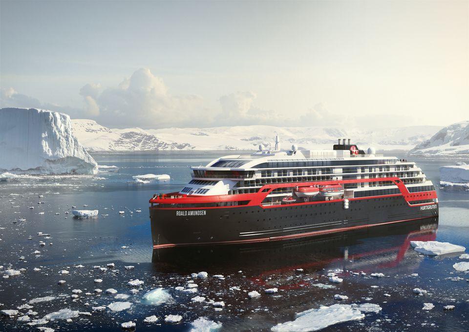 Hurtigruten MS Roald Amundsen in Antarctica