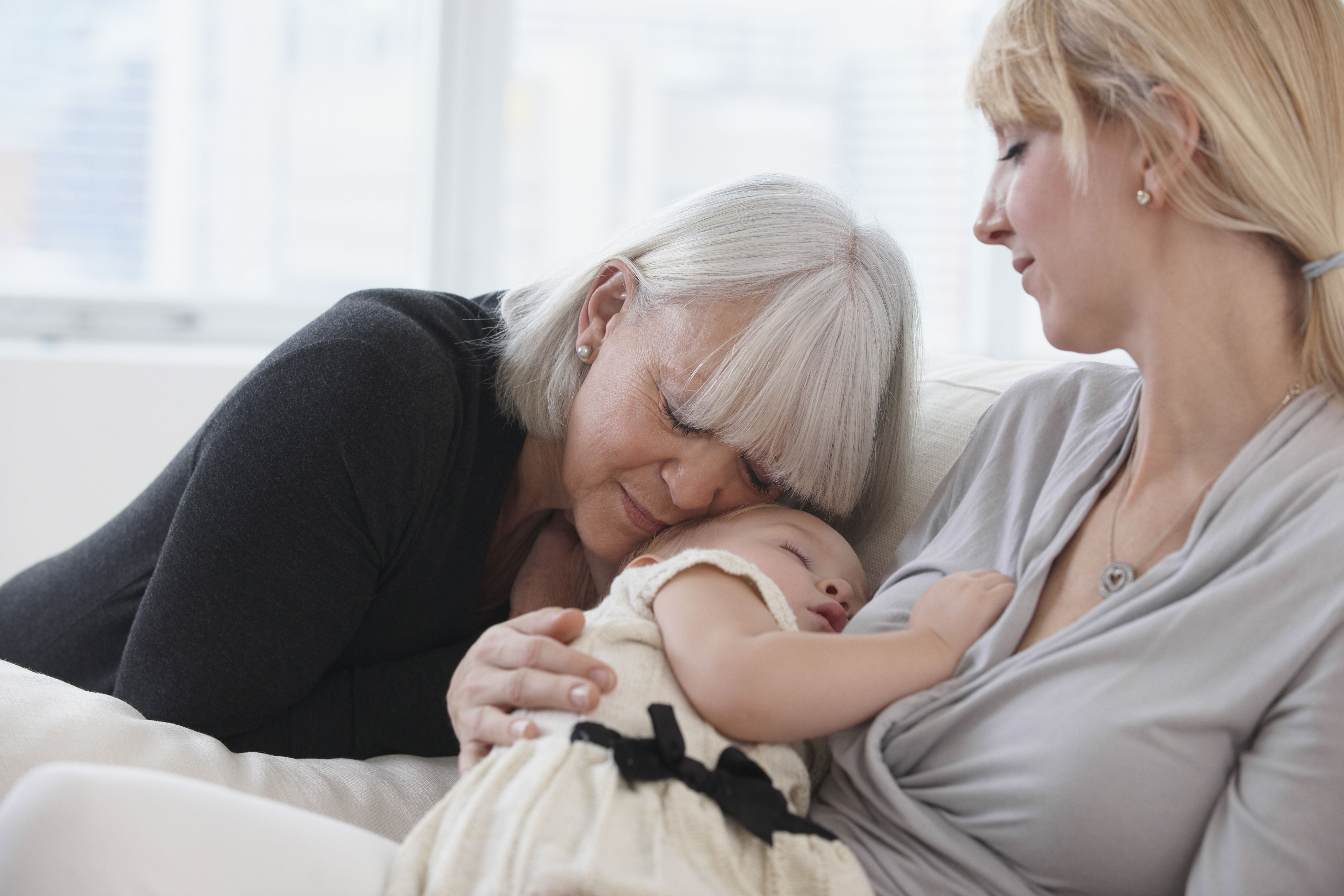 A Good Grandmother Is Also A Good MotherinLaw - Mothers adorable photo series shows love has no boundaries