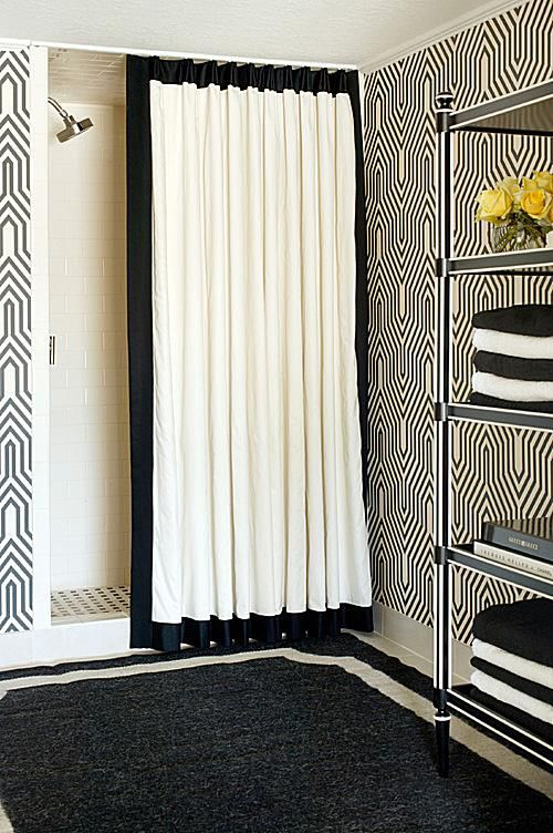 black and white bathroom 1