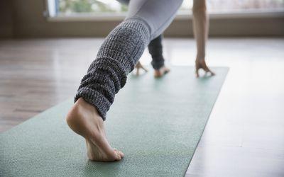 how to do bird of paradise yoga pose svarga dvidasana
