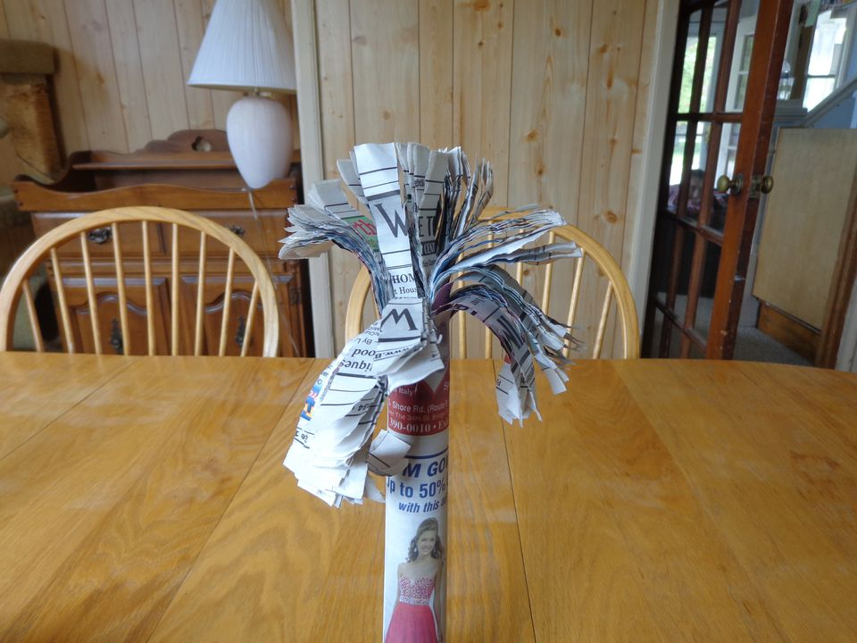 how to make a newspaper palm tree