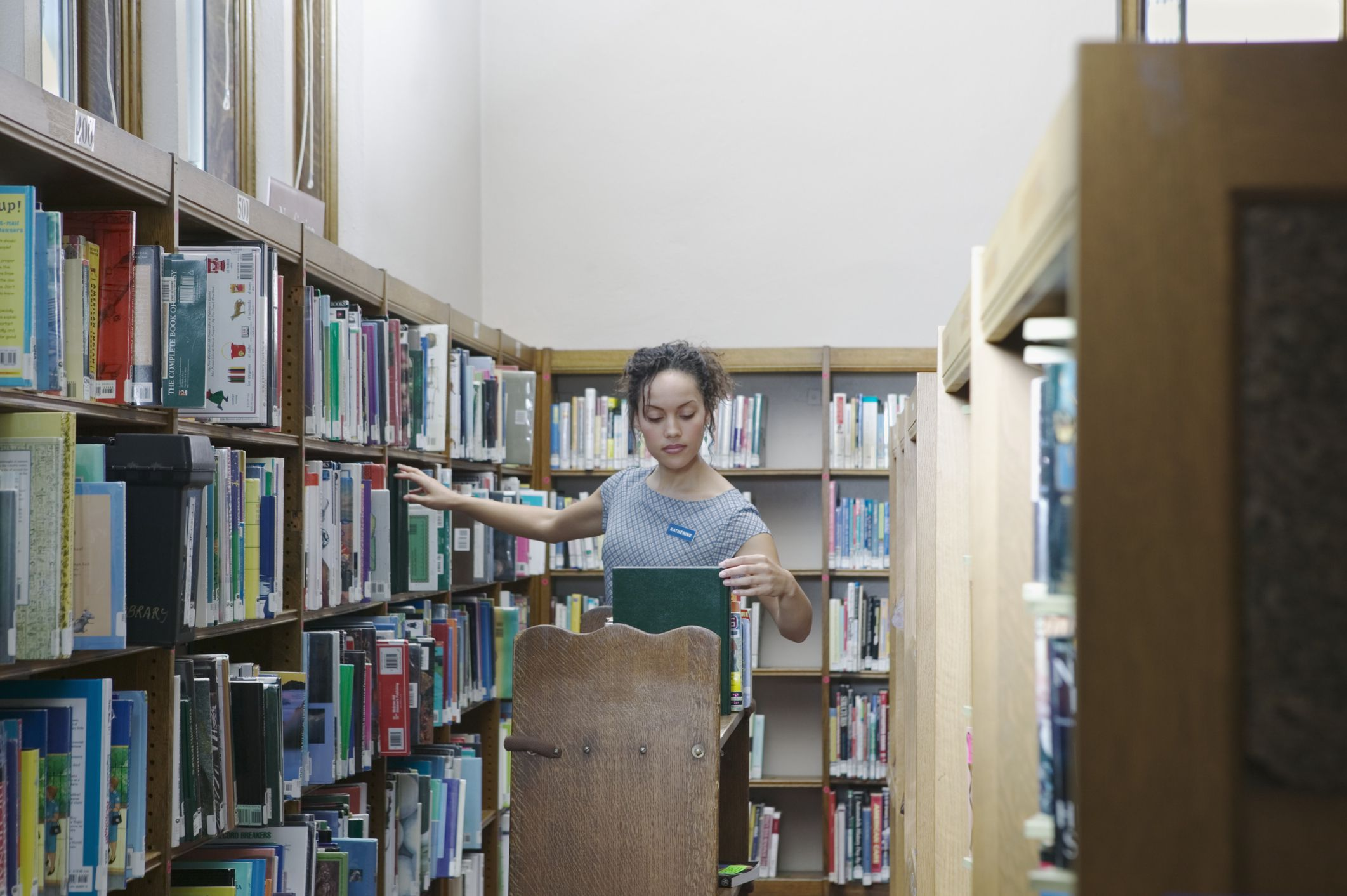 your school library essay Take a tour of questia school's online library and research tools learn how to create highlights, notes, bookmarks, and generate automatic bibliographies and citations.