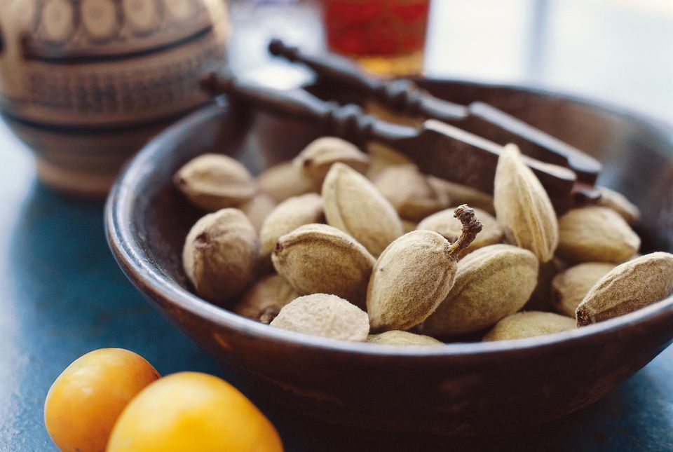 Nuts contain monounsaturated fats