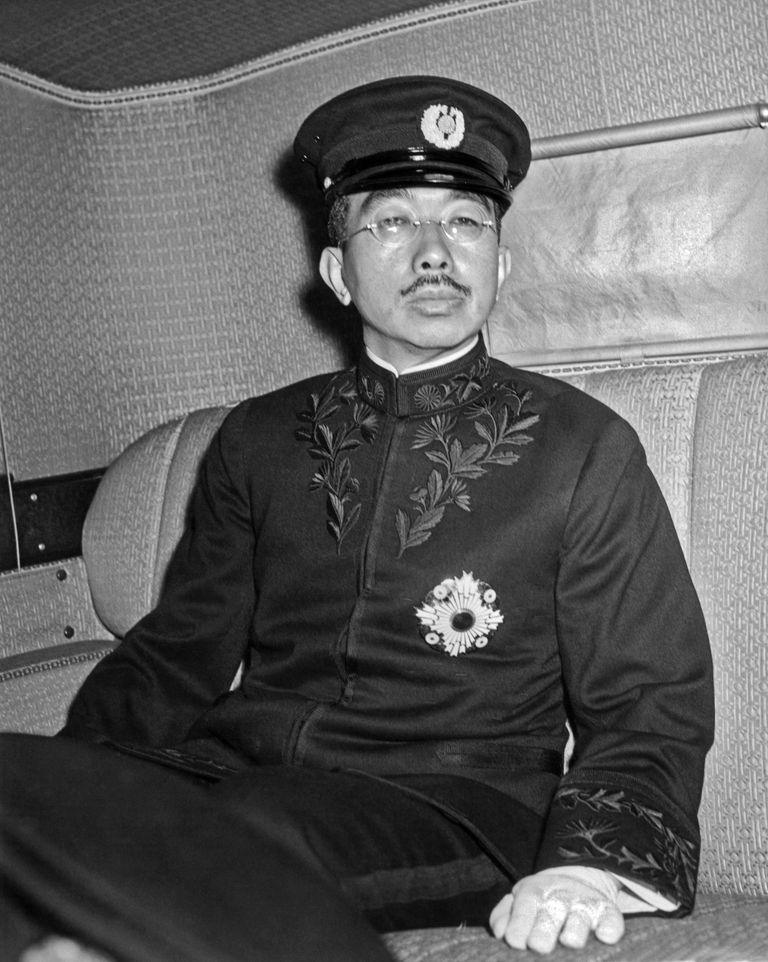 1946 photo of Emperor Hirohito in a limousine